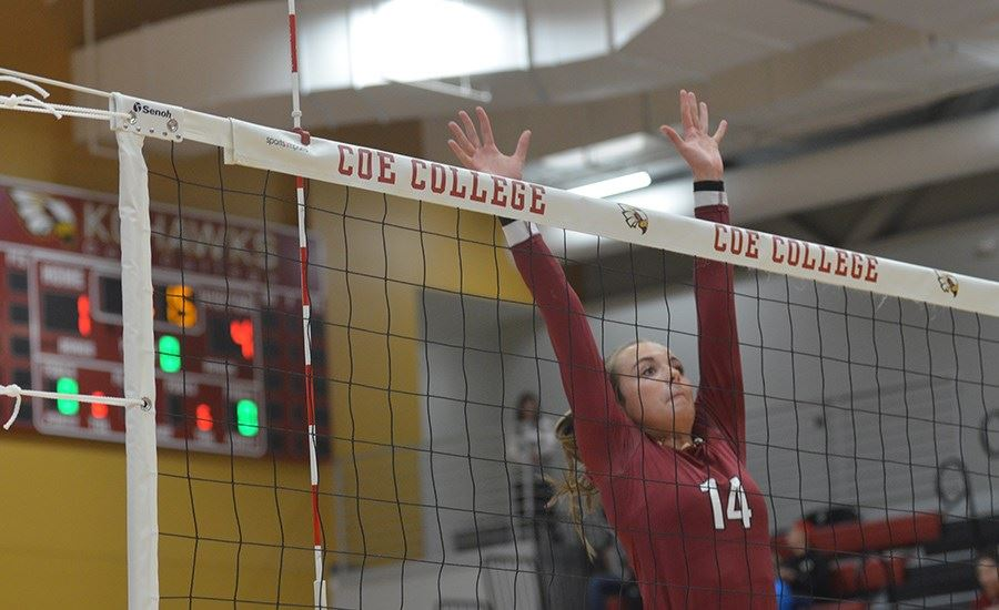 Kluesner named to All-Tournament team - Coe College